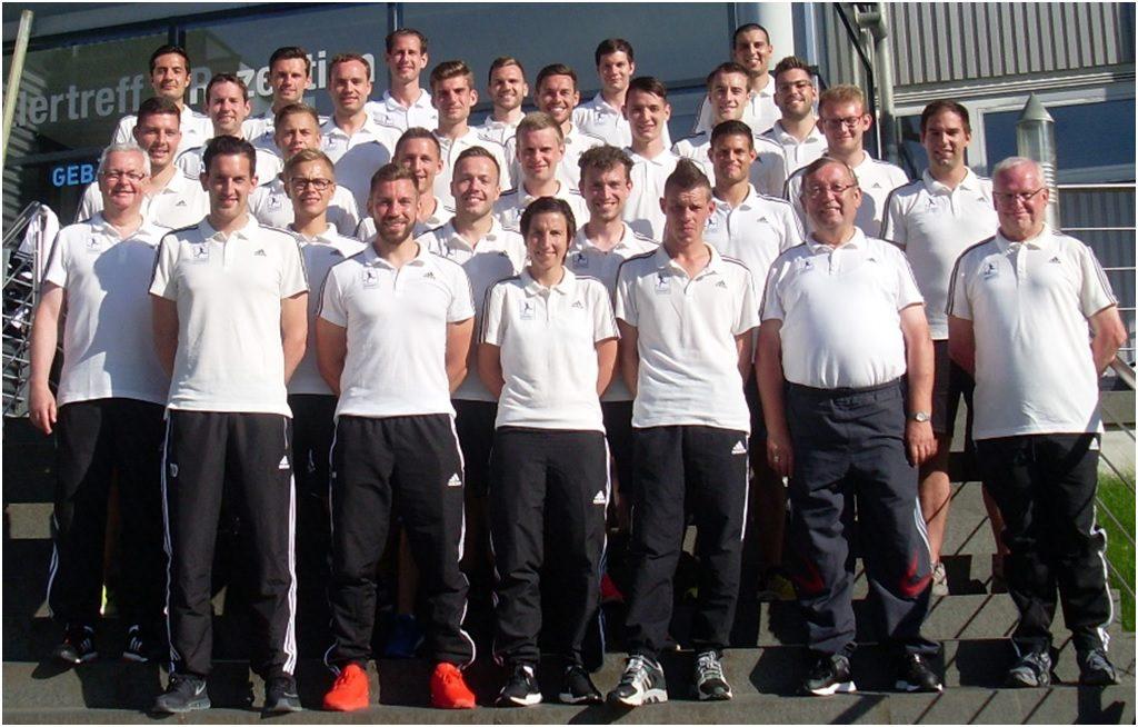 Schiedsrichter und Schiedsrichterkommission der Regionalliga Südwest. Foto: Regionalliga Südwest